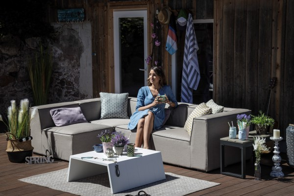 Raven weatherproof lounge in sand brown