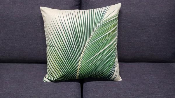Coussin décoratif avec feuille de palmier
