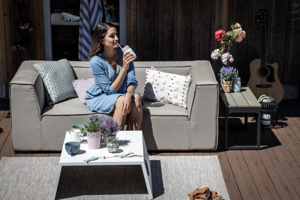 Hanna garden lounge with Sunbrella fabric in sand brown