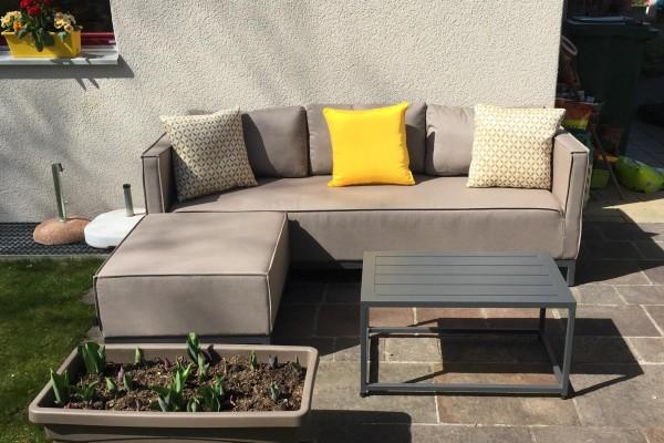 Ensemble de lounge de jardin Alenia en tissu brun sable