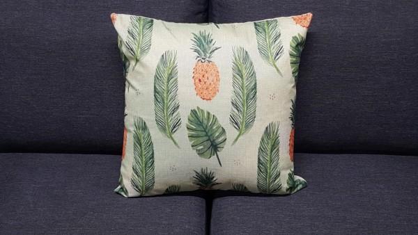 Zierkissen mit Blätter und Ananas